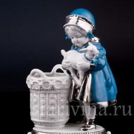 Статуэтка из фарфора Девочка с козленком, Германия,, нач. 20 в.